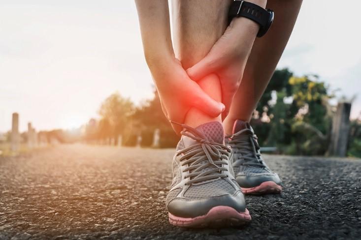 肌肉拉傷好痛苦,快看看怎麼保養與避免!肌肉拉傷看什麼科?